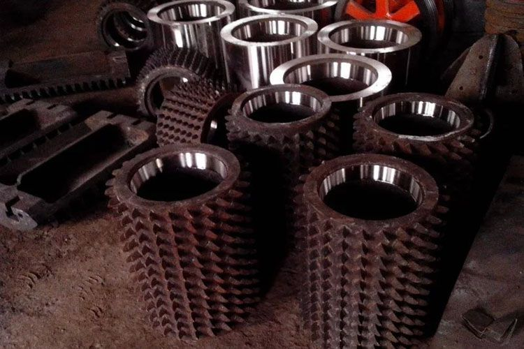 Double Roller crusher parts